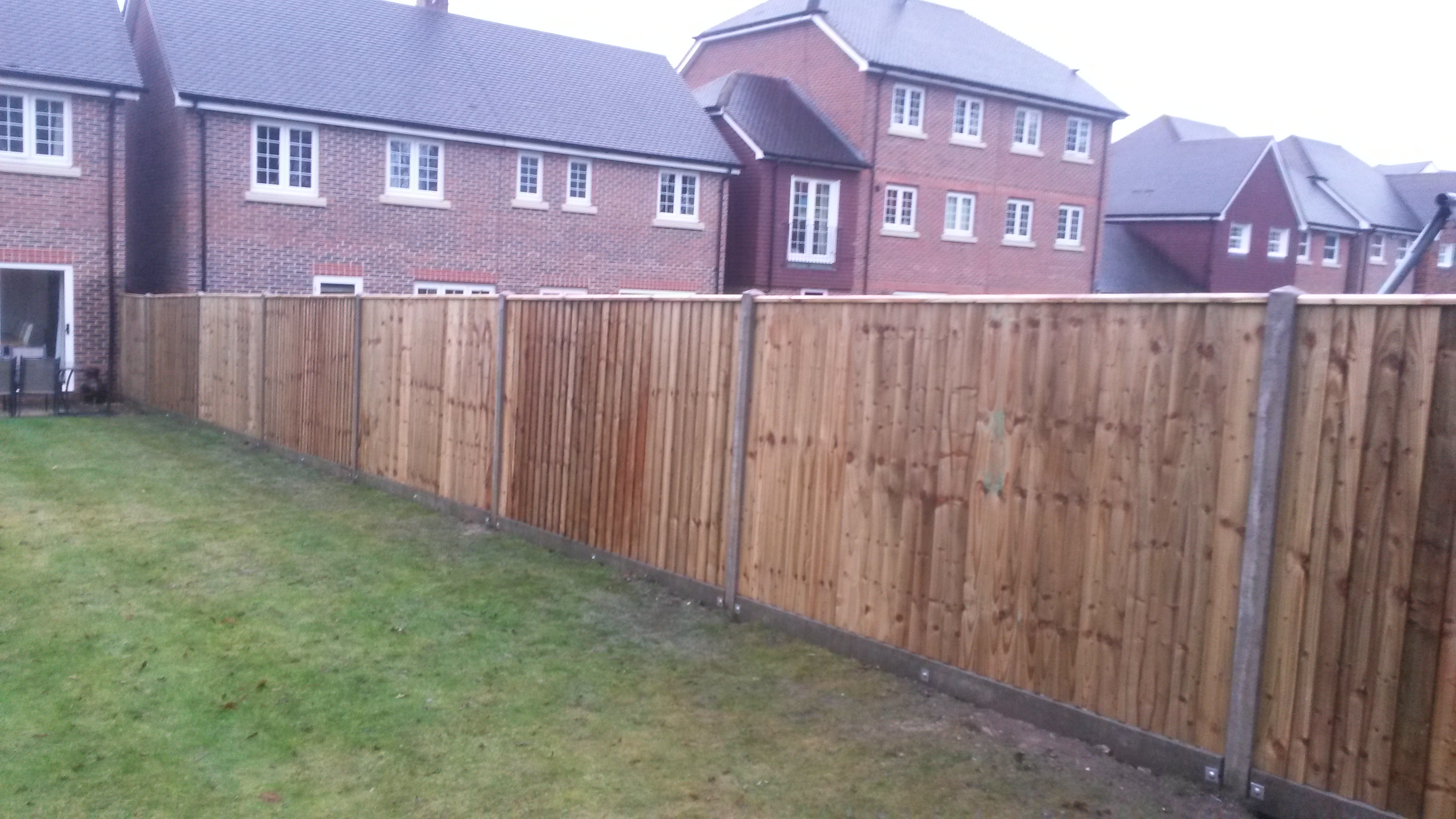Garden fence archives quality fencing and gates elveham baanklon Image collections