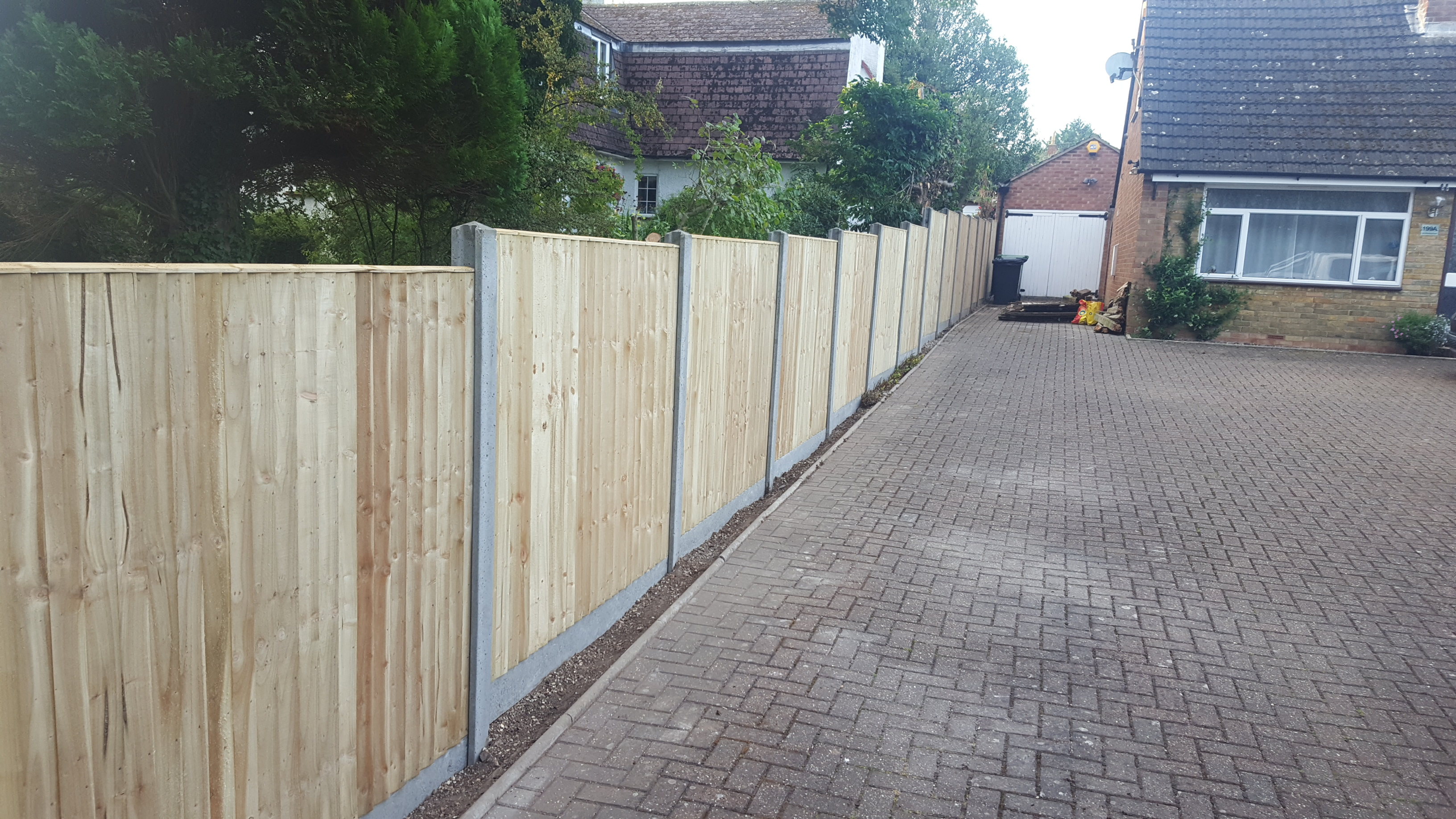 Garden fencing basingstoke archives quality fencing and gates 20160831071502 baanklon Image collections