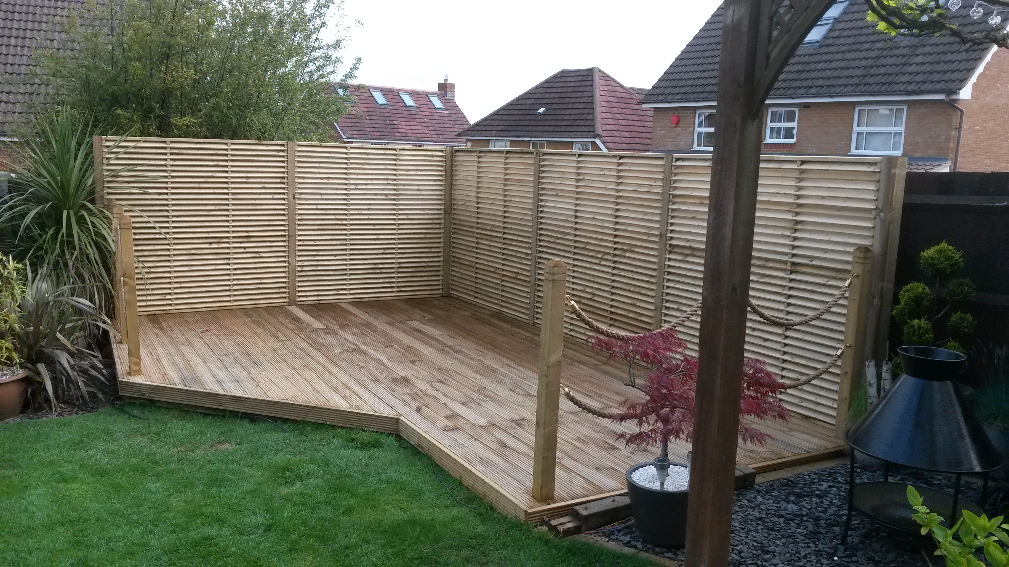 Installation With Venetian Panels Quality Fencing And Gates